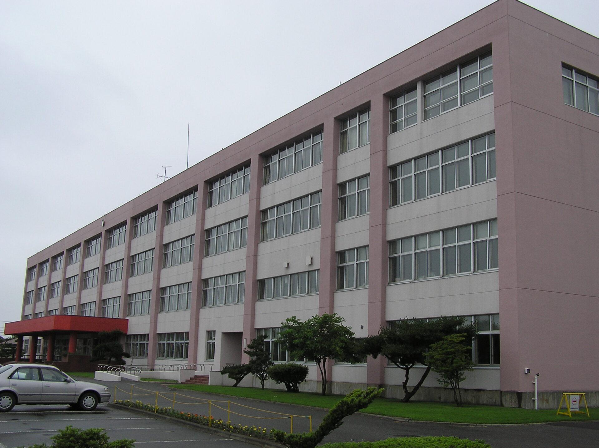 静内高校の画像
