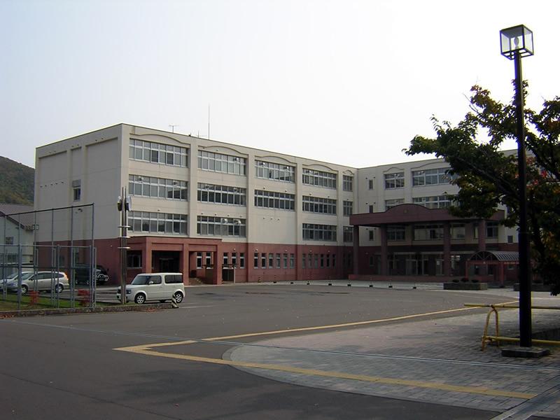 室蘭東翔高校の外観画像